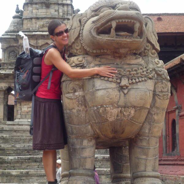 Karmalaya Volontärin beim Sightseeing in Nepal