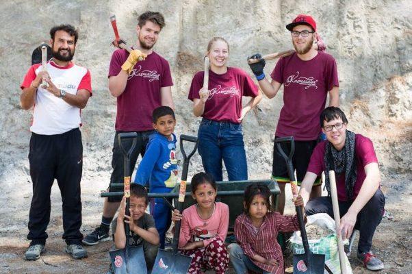 Volontäre im Bau-Workcamp in Nepal