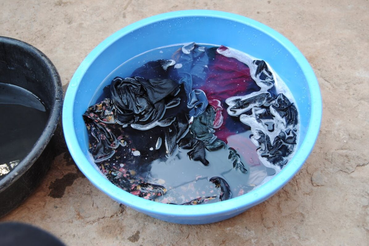 Wäsche waschen in Uganda